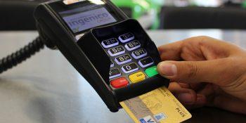 Jak posługiwać się kartą kredytową