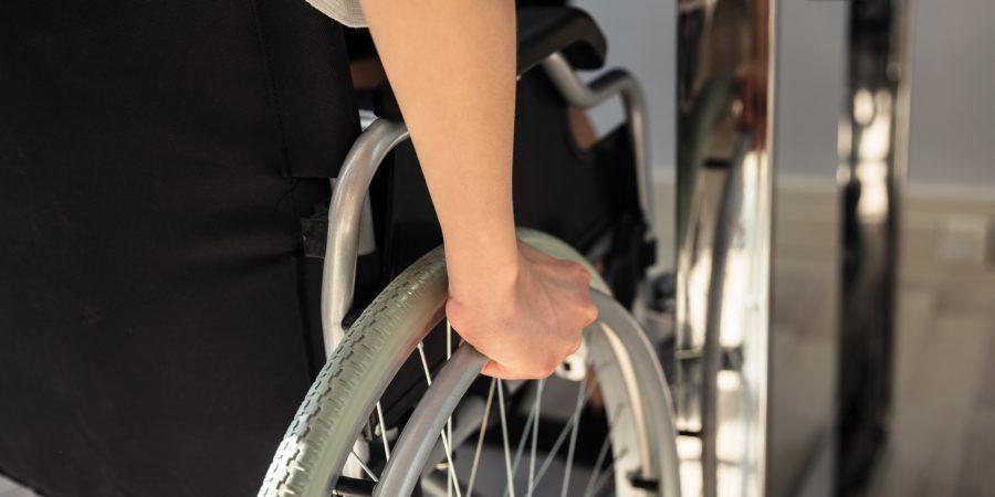 Wózki inwalidzki ręczne – dla kogo
