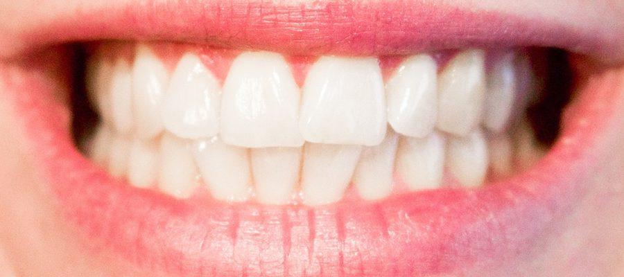 Wpływ chorej tarczycy na stan zębów