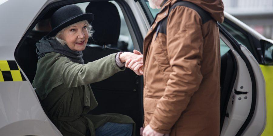 """Akcja """"Taksówka dla Seniora"""" zawita w Inowrocławiu"""