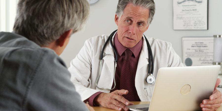 Badania profilaktyczne u seniora – możliwość wykrycia chorób i szybkiego, skutecznego leczenia