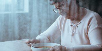 Niedożywienie seniora – nie tylko otyłość szkodzi