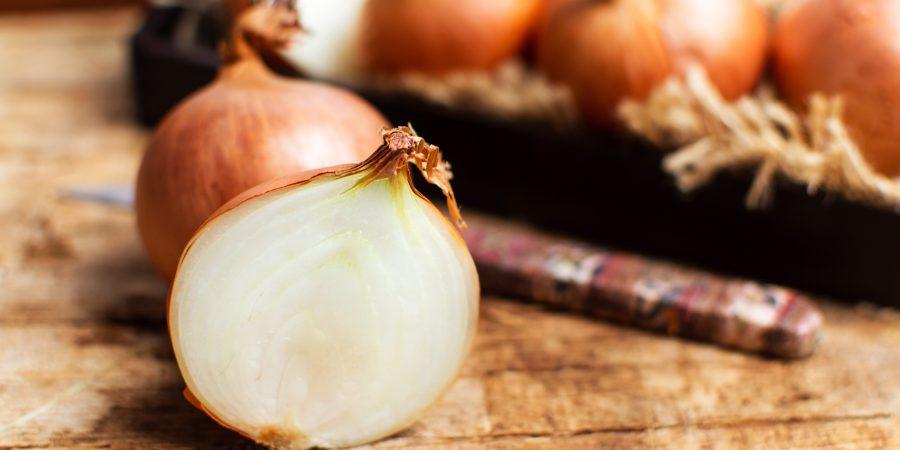 Cebula – właściwości lecznicze, przepis na syrop cebulowy