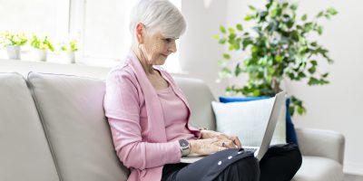 Jakie zakupy seniorzy robią przez internet